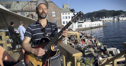 Nattjazz er viktig: Mads Berven forteller at Nattjazz har vært med å forme ham som musiker. Siden han var mindreårig har Berven gått på jazzfestivalen, og han har selv spilt der utallige ganger. Foto: Kai Flatekvål
