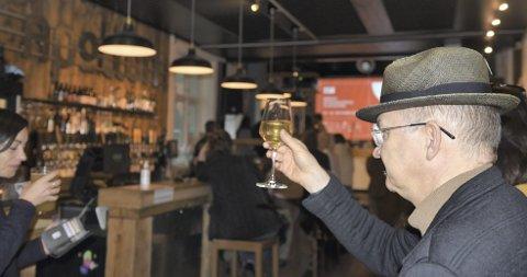Åge Vallestad er spesialrådgiver hos Byarkitekten. Å se en dokumentar om platebutikkers død  på sprell levende Apollon, mener Vallestad er midt i blinken. Foto: Marie Mundal