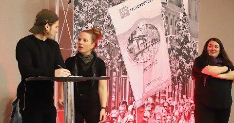 TEATER OM ARBEID: I programmet under 1. mai-markeirngen vises teaterstykket «Hvorfor være organisert?», med skuespillerne Morgan Lillehjem, Sunniva Berg og Aina Beate Gundersen. I tillegg vil det bli taler, dikt, sang og musikk, forteller arrangøren.