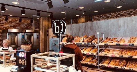 SELVBETJENING: Bilde tatt fra en selvbetjeningshylle i en av Backstubes butikker. I høst etablerer bakerikjeden seg i Fredrikstad sentrum.