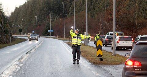 Stopp! Bilisten ble stoppet i en ordinær promillekontroll ved Toskatjørn på vei mot Haugesund.