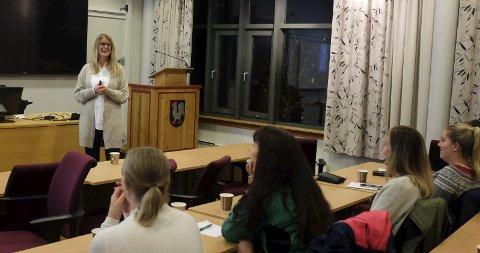 Foredrag: Astrid Lauritzen, mentaltrener ved Norges Toppidrettsgymnas i Bodø, holdt foredrag i Mosjøen onsdag kveld. Foto: John Christian Nygaard