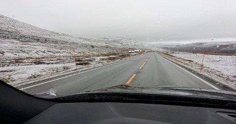 SNØ: Fredag morgen så det slik ut på Sennaland.