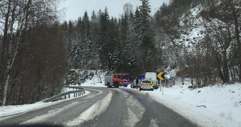 GLATT: Det var kun én bil involvert i ulykken på det glatte føret.