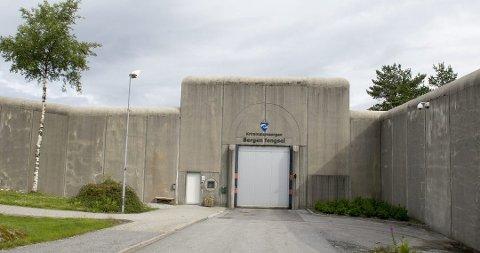 Åtte søkjarar har søkt om å bli ny fengselsleiar i Bergen fengsel. (Foto: Eirik Hagesæter/BA).