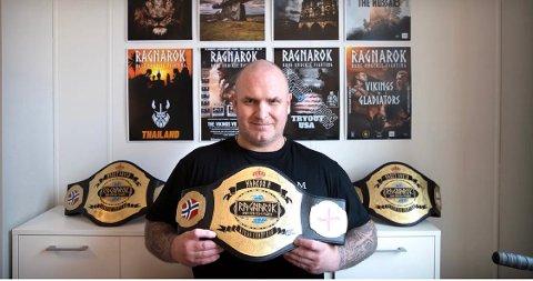 ARRANGØR: Stanley Hofstædter fra Lyngdal har selv konkurrert i barknuckle boksing, men bruker nå mye av tiden på å arrangere kamper og er aktuell med et stevne i Kristiansand i august.
