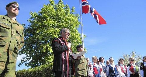 Markering: Pål Engeseth hold talen for de falne i Minneparken.