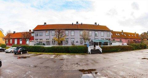 FOR SALG: Bygningene i Storgata 22-24 Moss er igjen ute for salg.