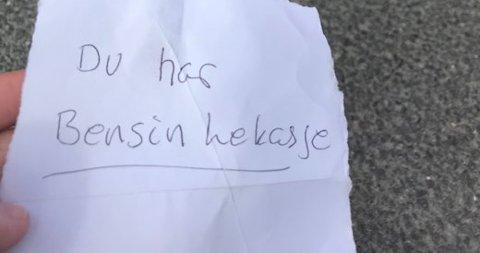 SA IFRA: Denne lappen fant Elise på bilen sin utenfor Kiwi på Dokka.