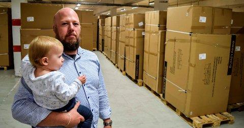 UTLEID TIL MØBLER: - Hele underetasjen på 6000 kvadratmeter er utleid til Martinsen AS for lagring av møbler, opplyser Øyvind Granum i Hov Næringspark AS.