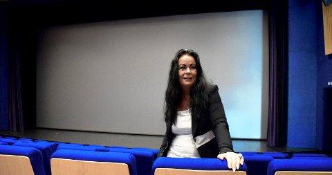BEDRE ENN I FJOR: Kulturhusleder Mette Kynsveen konstaterer at mai-besøket på kino ble bedre i år enn i samme måned i fjor.