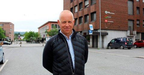 RÅDGIVER: Petter Ellefsen, rådgiver og politiker.