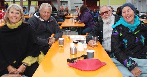– Vi savna Shantyfestivalen i Langesund i år. Men nå er vi på konsert på Wrightegaarden med Springsteen of Telemark, og vi kjenner flere av musikerne, sier denne lille gjengen fra Tønsberg. Det er Anne Britt Abrahamsen, Roar Abrahamsen, Øystein Gjertsen og Anne kate Jenssen som er kommet med bobil til Langesund for å gå på konsert.