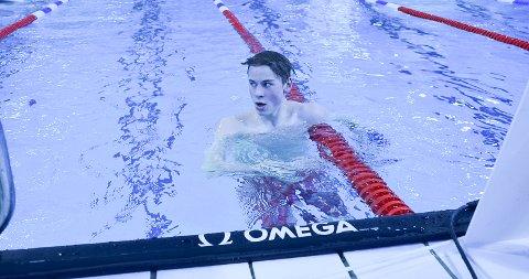 Alexander Finanger fra Rana svømmeklubb deltar i UM i svømming.
