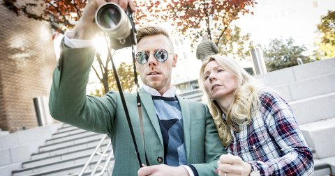 Espen Hilton, som driver Norges mest populære herremoteblogg, er blitt en nær venn av Anne Brith. I dag skal duoen ta antrekksbilder bilde til hverandre blogger. Hilton er kjent fra Homsepatruljen og diverse andre tv-serier.