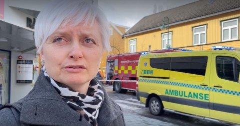 GAMMELT TREHUS: Levanger-ordfører er glad for at brannvesenet raskt fikk kontroll på brannen. – Men det er synd at slike hus går tapt, sier Anita Ravlo Sand.