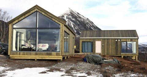 Storslått natur: Det nye hytteanlegget er plassert midt i den storslåtte naturen som finnes i Steigen. Utsikten mot fjord og fjell er det ingenting å si på. Foto: Øyvind A. Olsen