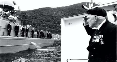 HELT AV NARVIK: Patrick Dalzel-Job besøkte Narvik flere ganger etter krigen. Dette bildet er fra ett av disse besøkene.