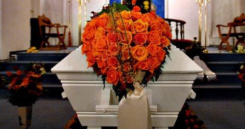 SMITTEUTBRUDD: Åtte personer er påvist smittet av koronavirus etter en begravelse i Gjøvik. Dette bildet er kun ment som en illustrasjon.