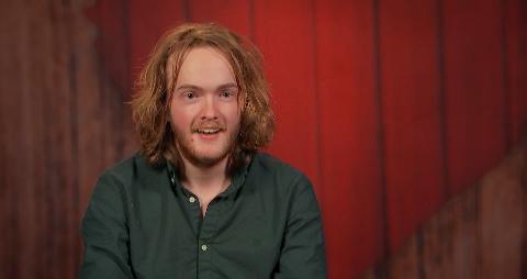 """Lars Sørlie forteller at han har fått mange kommentarer på håret. """"Den frisyren, den kommer ikke tilbake"""", sier han i dag."""