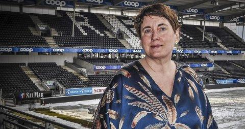 FAST INVENTAR: Janne Sjelmo Nordås har deltatt på Sps landsmøter siden slutten av 1990-tallet. Nå  er hun i gang med sitt siste landsmøte som stortingsrepresentant for partiet. Foto; Ragne B. Lysaker