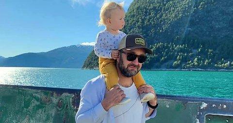 – EN NY DIMENSJON: Runar Skjerven Eggesvik opplevde en stor omveltning i livet da sønnen Oskar kom til verden for to år siden.