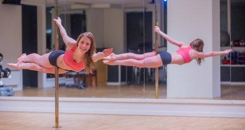 POSITURENE I FOKUS: - Kroppsfasongen er ikke hovedfokus. Fokuset er på aktiviteten. På sporten. På treningen og styrke. Man rekker ikke å tenke på hvordan man ser ut. Det er positurene som er i fokus – ikke kroppen, sier Kirsti Seljenes.