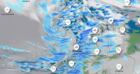 RUSKEVÆR: Fredagens uvær blir avløst av nytt uvær lørdag. Vi har en ruskete helg i vente i Troms. Satelittbildet er fra lørdag morgen og viser det nye lavtrykket vest for Troms som vil treffes lørdag formiddag