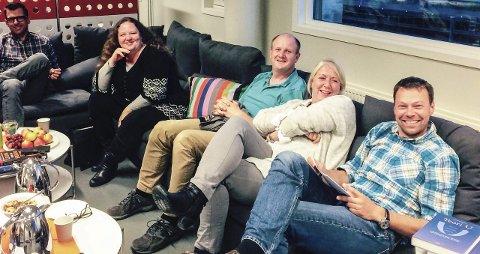 Godt miljø: Gjengen som deltar i pilotprosjektet. Fra høyre: Torodd L. Seierstad, Kristi Naper, Terje Kolderup, Kristin Sorknes Hunstad og Christian Opsal.Foto: Eskil Domben