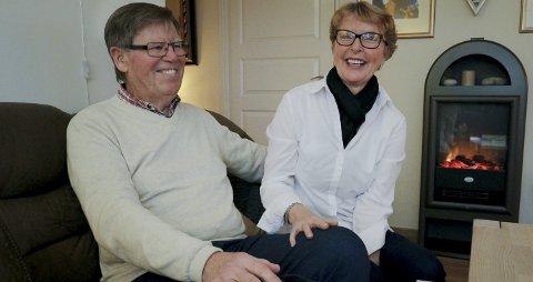 Fornøyde: Kirsten og Terje Paulsen solgte leiligheten i Vansjø Boligbyggelag med solid fortjeneste i august. Prisene i Moss har steget med 14,5 prosent i 2016. begge foto: Terje Holm