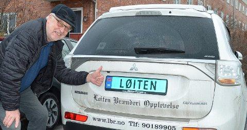 GODT FORNØYD: Gotmar Rustad er godt fornøyd med LØITEN som kjennemerke på bilen sin.