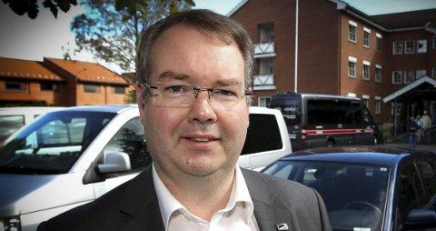 KRITISK: Kjartan Berland (H) synes ordfører og varaordfører må bli langt flinkere til å samordne ferier og annet fravær fra rådhuskontoret i Lillestrøm. foto: TOM GUSTAVSEN