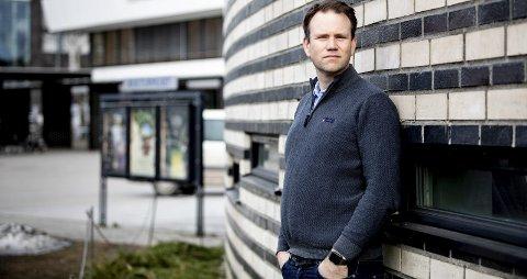 Ser muligheter: Jon Henrik Solhei (39) har vært kultursjef i Ullensaker i drøyt to år, og han opplever at kommunen ikke godt nok klarer å følge opp det rike kulturlivet.Foto: Tom Gustavsen