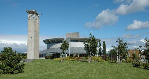 MANGE STEMMER: Grødem kirke, bygget i 2000, er så langt på andreplass i kåringen. Foto: Bygdebladet