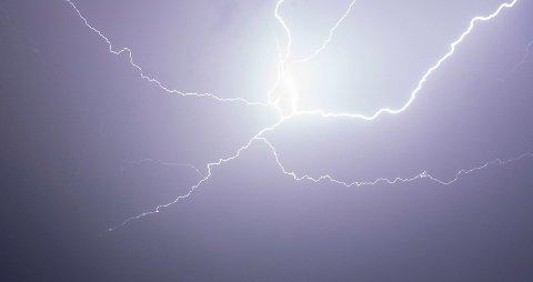 LOKAL TORDEN: Det er i ettermiddag fare for lokal torden i Nord-Trøndelag.