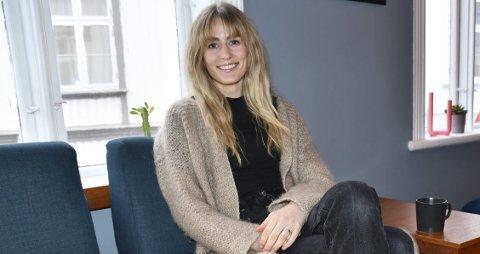 Mener hun har hemmeligheten til ung hud: Magnhild Townsend har testet ut mye forskjellig naturlig kosmetikk, og lager nå egne produkter. Foto: A.D.