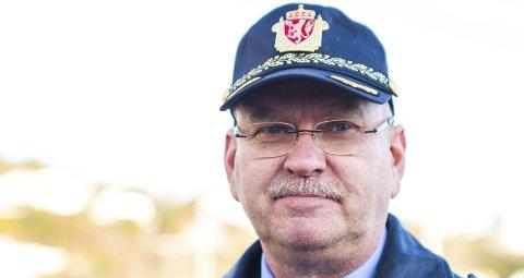 LEGGER OM: Etter 1. april legger lensmann Odd Holum om åpningstidene til politiet i Holt. Da blir kontorene i Risør og Tvedestrand kun åpen to dager i uka.