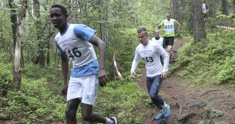 FJORÅRETS RASKESTE: Jafaar Mohamed, her fra Risørløpet i 2017, vant ti-kilometeren under Risørløpet i fjor med tiden 44.10. Mandag ettermiddag går starten på den sjuende utgaven av løpet.