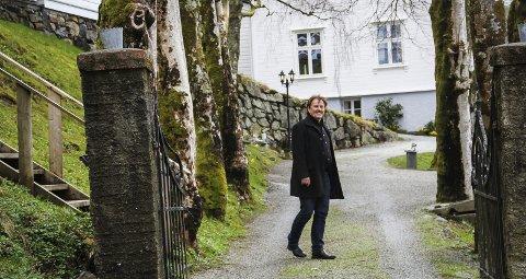 1 LYKKELEG: Helge Haugland kjenner seg lykkeleg i sin nye heim.