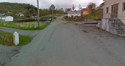 Strekningen frå Sæbø kyrkje til Sæbøvågen er berre ein av flere som får ny asfalt.