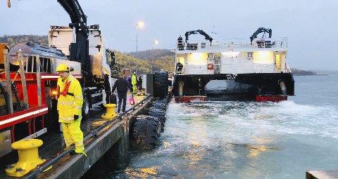 Arbeider: Det har vært gjennomført omfattende arbeider for at Nordlandsekspressen skal kunne legge til ved fergekaia på Skutvik. Nye hurtigbåtene som kommer 1. mars vil bruke kaia som liggekai.