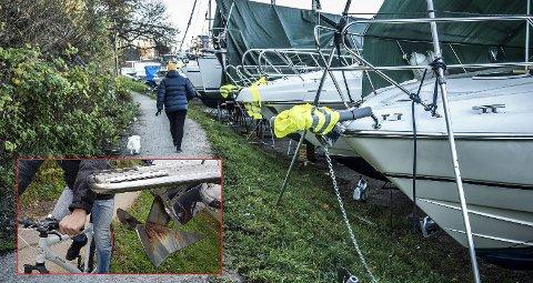 """RYDDET OPP: Nabbetorp Båtforening har nå trukket båtene en meter unna Glommastien, og ryddet opp i det naboene kalte en """"dødsfelle""""."""