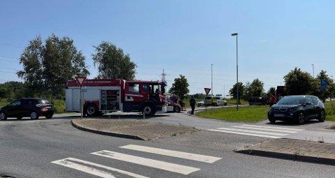 To personbiler og en semitrailer er innblandet i en ulykke i Habornveien/Borgarveien onsdag ettermiddag.