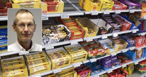 SLAKTER KUTT: - Det er en katastrofe, og helt forferdelig at det kan skje så fort, sier Jøran Hjelmesæth, universitetsprofessor og leder for Senter for sykelig overvekt i Helse Sør-Øst, om avgiftskuttene på sjokolade, brus og sukker. Foto: NTB / Sykehuset Vestfold