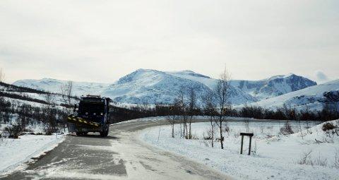 Blir det vind og snø må nok brøytebilane kjøre jamnt og trutt i høgfjellet.