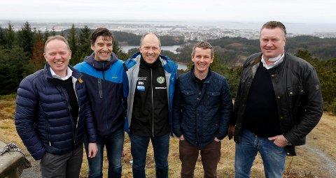 På TOPPEN: Fra venstre Frank Vikingstad (Administrerende direktør Sysco), Jan Erik Søvig (Håfagrerittet), Trygve Voll (HIL), Kjell Åge Kallevik (FKH) og Øystein Grønhaug (Kvernatunet, Grønhaug Eiendom).