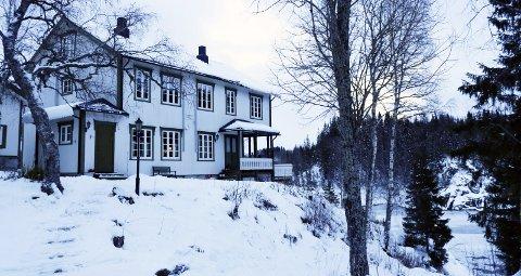 «Laksfors House» har huset både Kongen, rike engelskmenn og den fornemme, svenske biladelen. Inger Laksfors og Jan Johansen kjøpte villaen og fiskerettighetene av Statkraft tidligere i år.