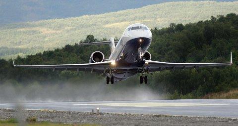 HAR HATT SMITTEDE OM BORD: Om sommeren ønsker mange nordmenn å reise. Det vises på tallene over smittede om bord i flyene.
