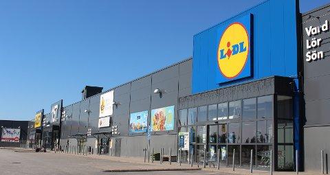 Lidl og Rusta er flaggskipene i Charlottenberg Handelspark som ligger forbi rundkjøringen ved Charlottenbergs shoppingsenter i retning Arvika. Til høsten kommer også ICA hit.