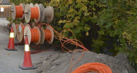 Hit men ikke lenger: I Hof kan det bli med byggetrinn en om ikke man finner en løsning på planene for trinn 2 av fiberkabelutbyggingen i Hof.foto: Viken Fiber